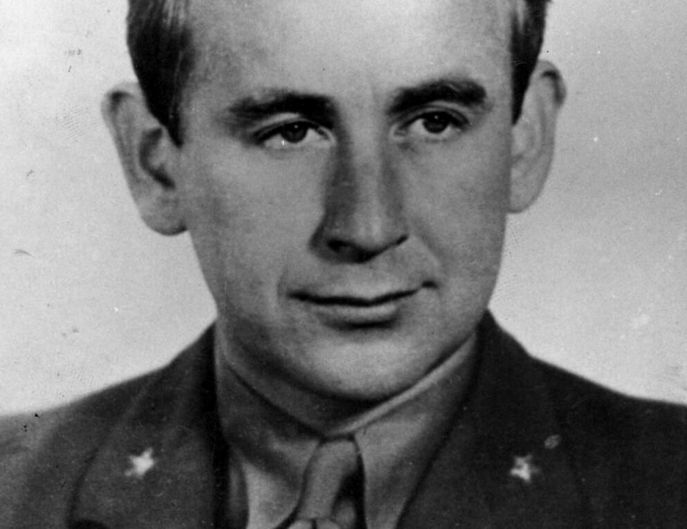 Max Manus: Som løytnant i Kompani Linge utførte han flere sabotasjeaksjoner i Norge under okkupasjonen, blant annet senkning av det tyske troppeskipet MS «Donau». Nå kommer romanen han i 1948 skrev om motstandsarbeidets pris. Foto: NTB arkiv