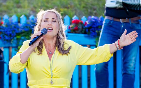 SAMARBEIDER: Helene Bøksle er en av tolv sangere på plata. Foto: Thomas Andersen