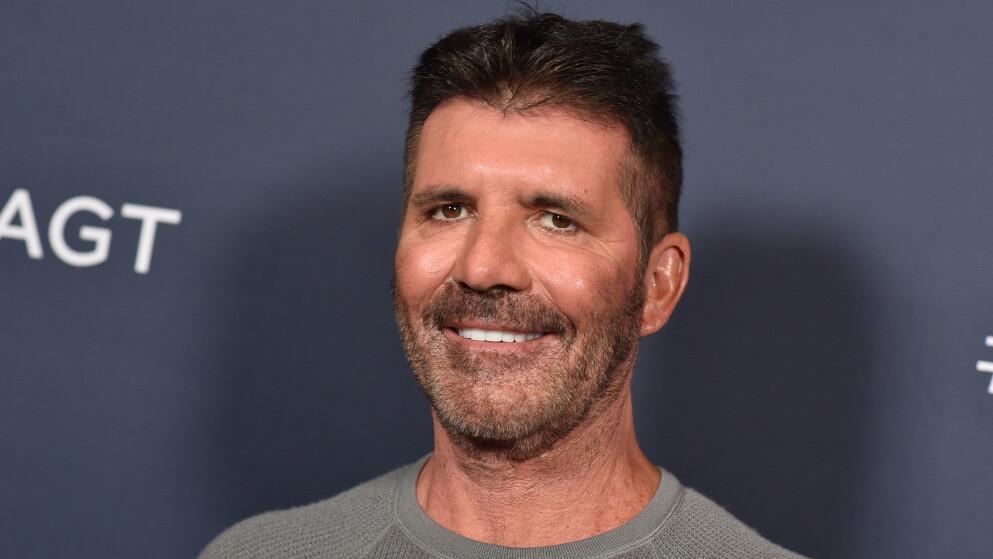 BRETTER UT: Simon Cowell minnes da han brakk ryggen i august i fjor i et ferskt intervju. Foto: Shutterstock Editorial / NTB