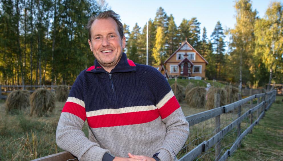 GRUFULLT SYN: Forrige uke fikk Per Gunvald Haugen en telefon fra naboen om at annekset i hagen hans hadde kollapset. Foto: Alex Iversen / TV 2