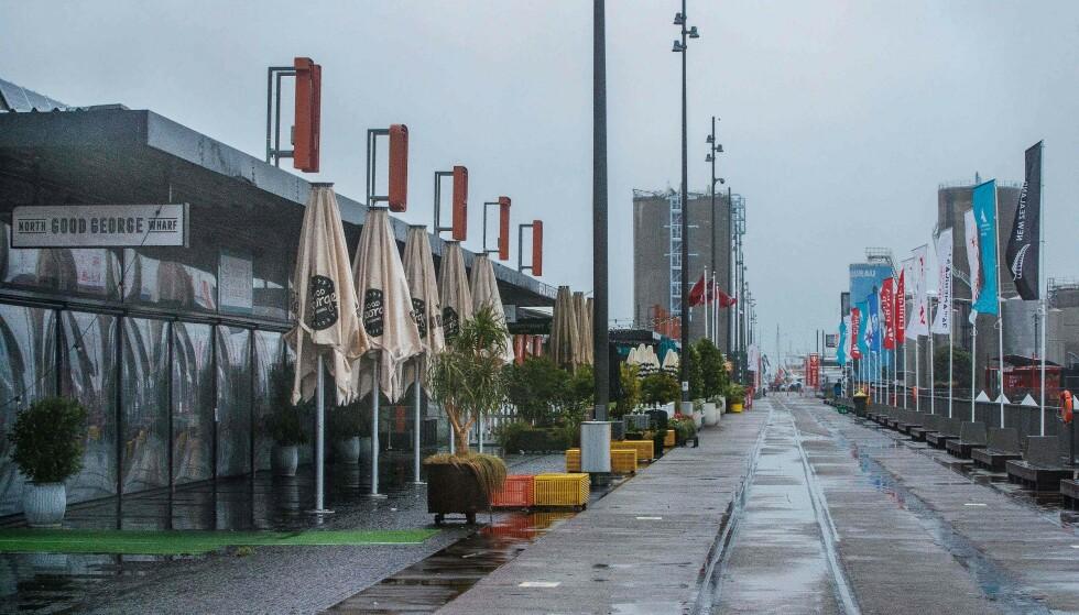 NEDSTENGING: Fra og med søndag vil bedrifter være stengt for allmennheten i Auckland. Foto: David Rowland / AFP / NTB