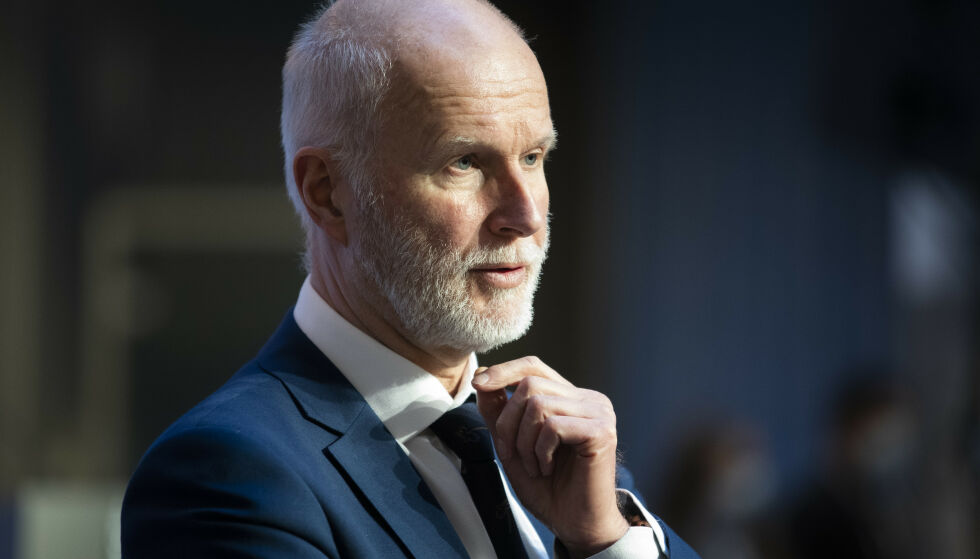NY VURDERING: Helsedirektør Bjørn Guldvog vil se nærmere på smitteverntiltakene for skolene. Foto: Berit Roald / NTB