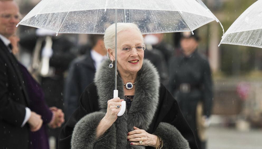 ISOLERT: Dronning Margrethe er nærmest isolert fra den danske befolkningen. Det er historisk. Foto: Jon Olav Nesvold / NTB