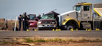 13 personer drept i bilulykke