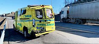 Én alvorlig skadd etter ambulanseulykke