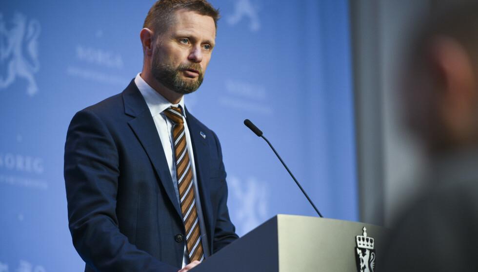 VARSLER: Denne uka varslet helseminister Bent Høie (H) om at Norge kan være i begynnelsen av en tredje smittebølge. Foto: Martin Solhaug Standal/NTB