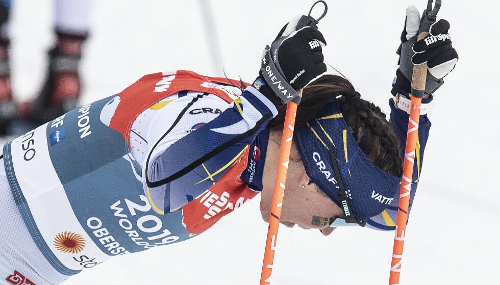 NERDERLAG: Charlotte Kalla etter stafettmissen. Foto: Bjørn Langsem / Dagbladet