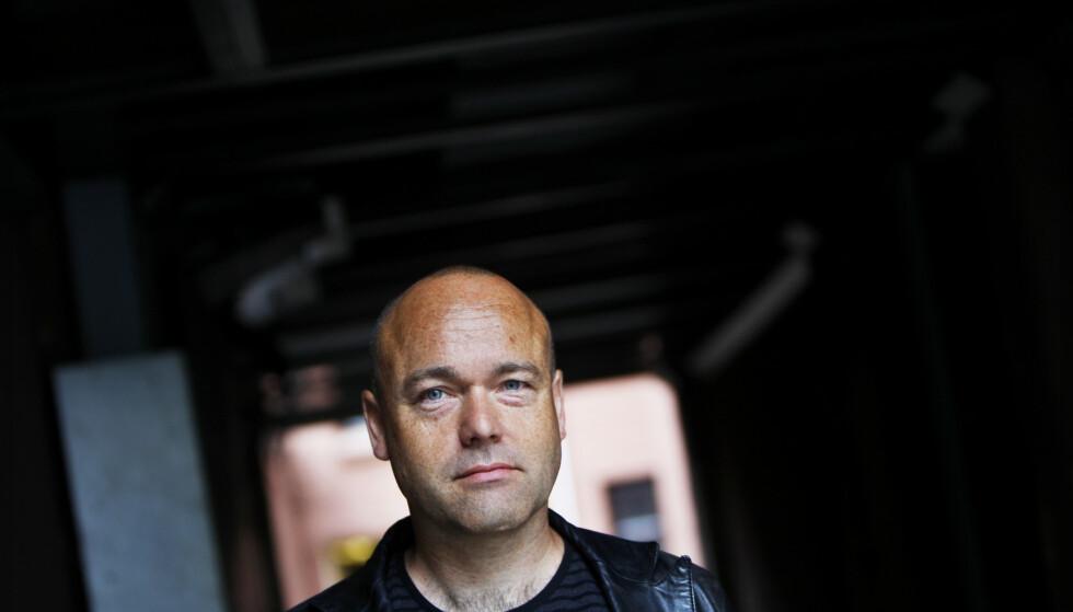 DEMONISK MØRKE: Danske Peter Øvig Knudsen skriver om å vokse opp med en psykisk syk mor. Skrivearbeidet blir livstruende. Foto: Håkon Mosvold Larsen / NTB