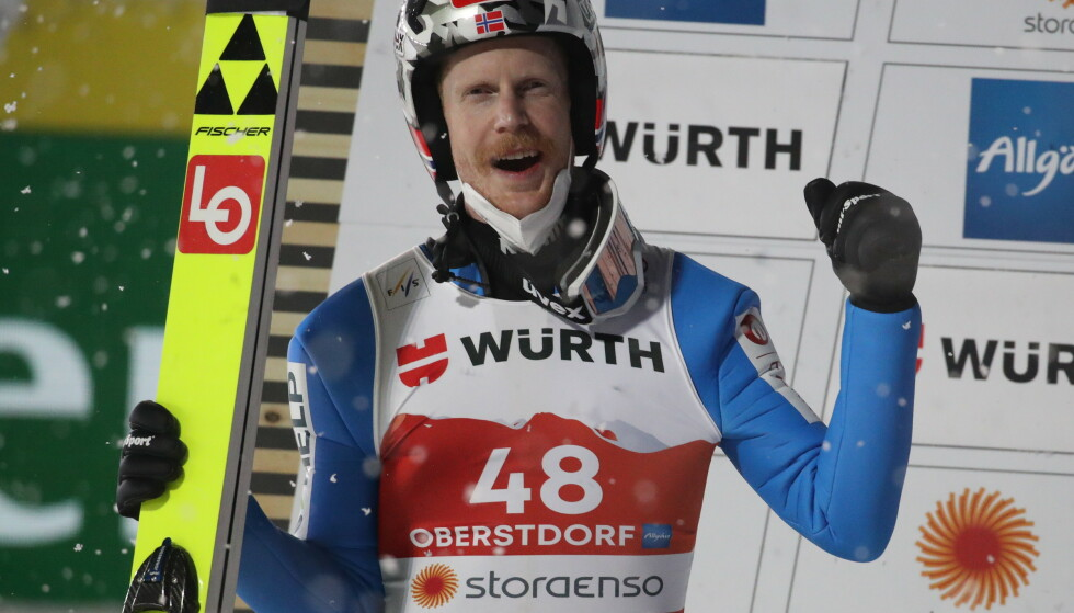 NORGES HÅP: Robert Johansson var Norges store gullhåp i storbakken fredag kveld. Foto: Bjørn Langsem / Dagbladet
