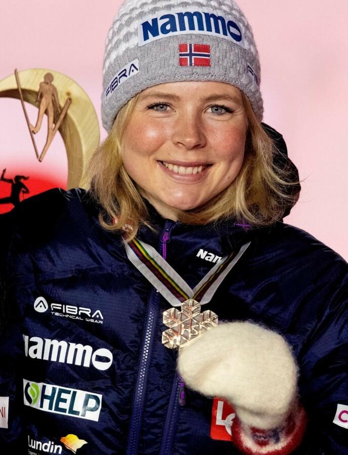 GULL: Maren Lundby gikk til topps i stor bakke. Foto: Bjørn Langsem
