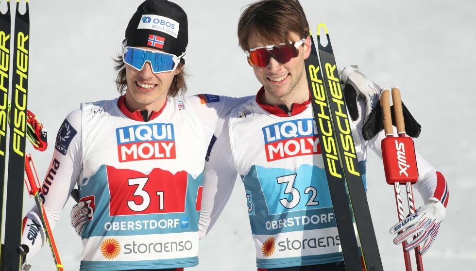 SØLV: Det ble VM-sølv for Espen Andersen og Jarl Magnus Riiber i dag. Foto: Bjørn Langsem / Dagbladet