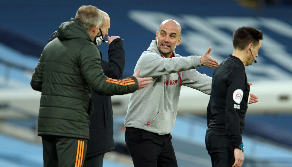 KRANGEL: Ole Gunnar Solskjær (t.v.) og Manchester City-manager Pep Guardiola kranglet kvarteret før slutt på Etihad. Foto: Dave Thompson/PA/NTB
