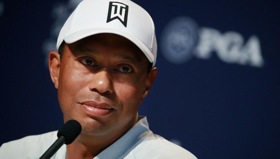 MELDING: Tiger Woods sendte melding til Bryson DeChambeau etter helgens PGA-seier. Foto: NTB