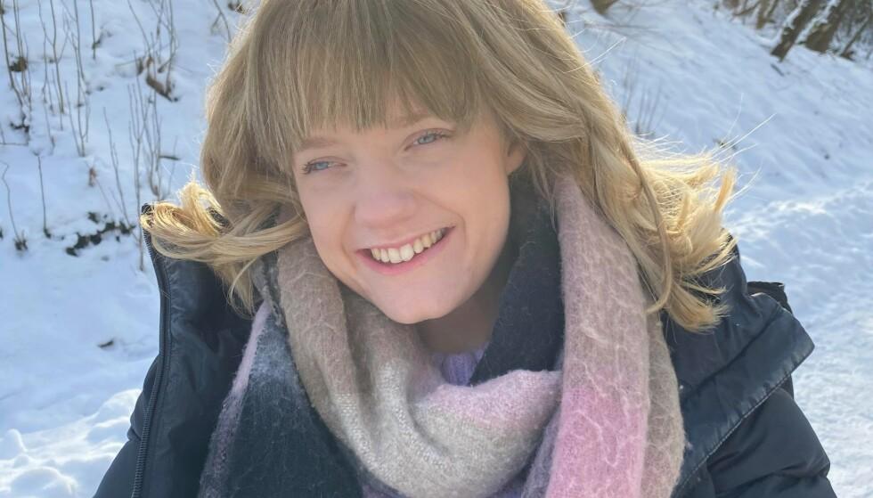 STÅR PÅ: Marianne Knudsen kjemper for funksjonshemmedes rettigheter og har et sterkt ønske om at de skal bli oppfattet som vanlige mennesker, og ikke være kilden til inspirasjon eller en trist historie. Foto: Privat
