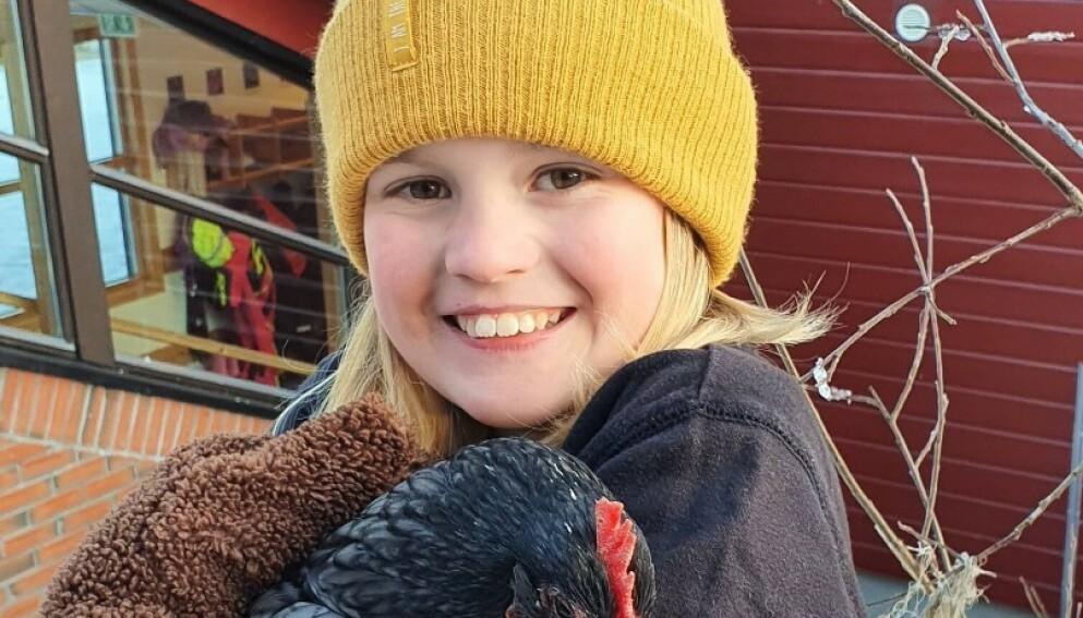OMKOM: Ti år gamle Nora Alvilde Tiberg omkom i trafikkulykka i Alta i går. Foto: Politiet
