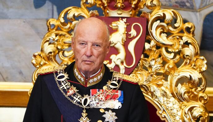 FORLENGER: Kong Haralds sykemelding går nå til 11. april.