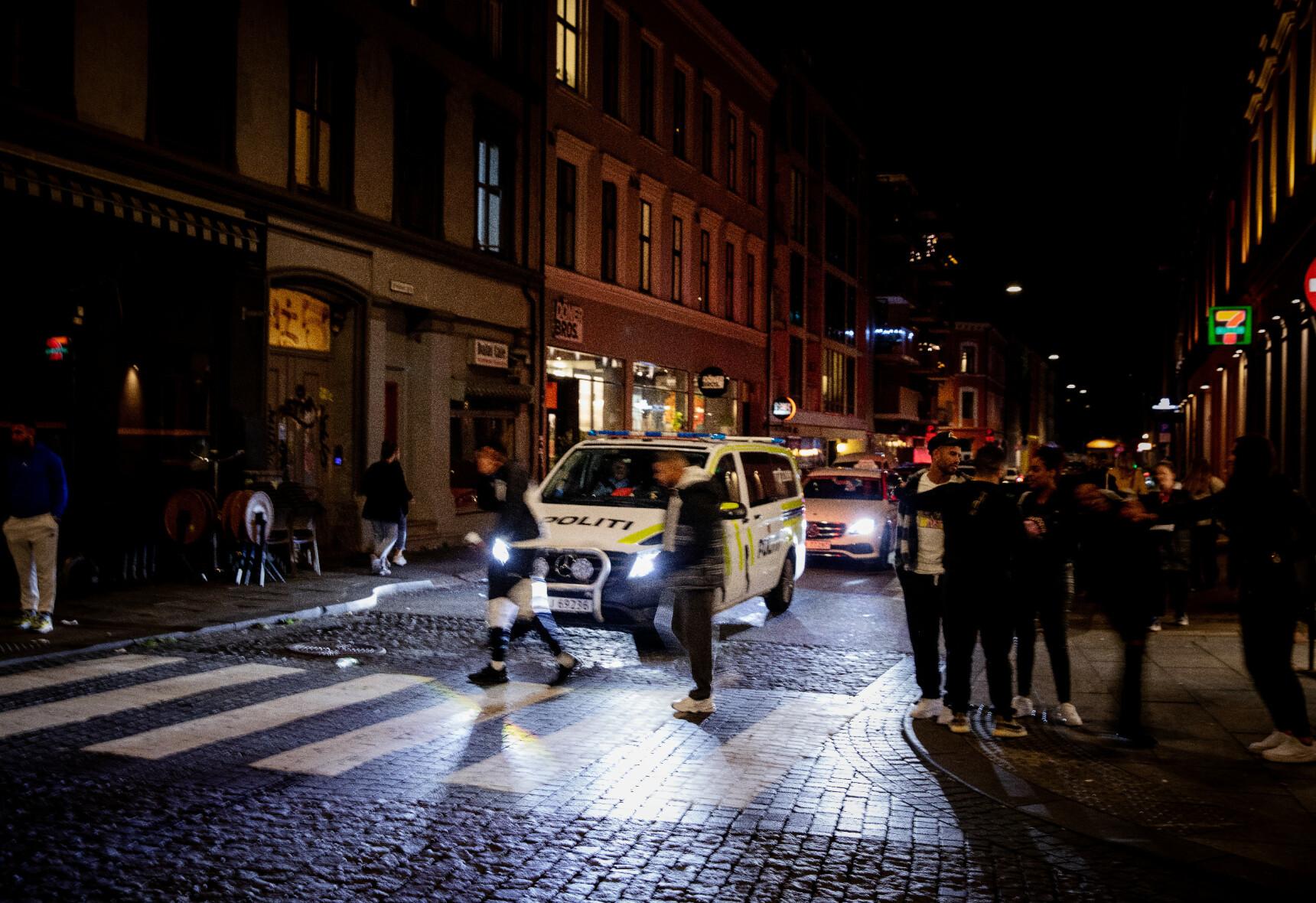 UTESTEDER STENGES: Flere utesteder i Oslo ble stengt etter brudd på smittevernreglene. Foto: Nina Hansen/Dagbladet