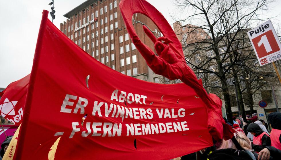 ØKER IKKE GRENSEN: Å ønske rett til selvbestemt abort fram til uke 22 betyr ikke et ønske om å øke grensen for abort i Norge. Det betyr et ønske om å gjøre denne retten selvbestemt, skriver innsenderne. Foto fra fjorårets 8. Mars-markering i Oslo: Fredrik Hagen / NTB