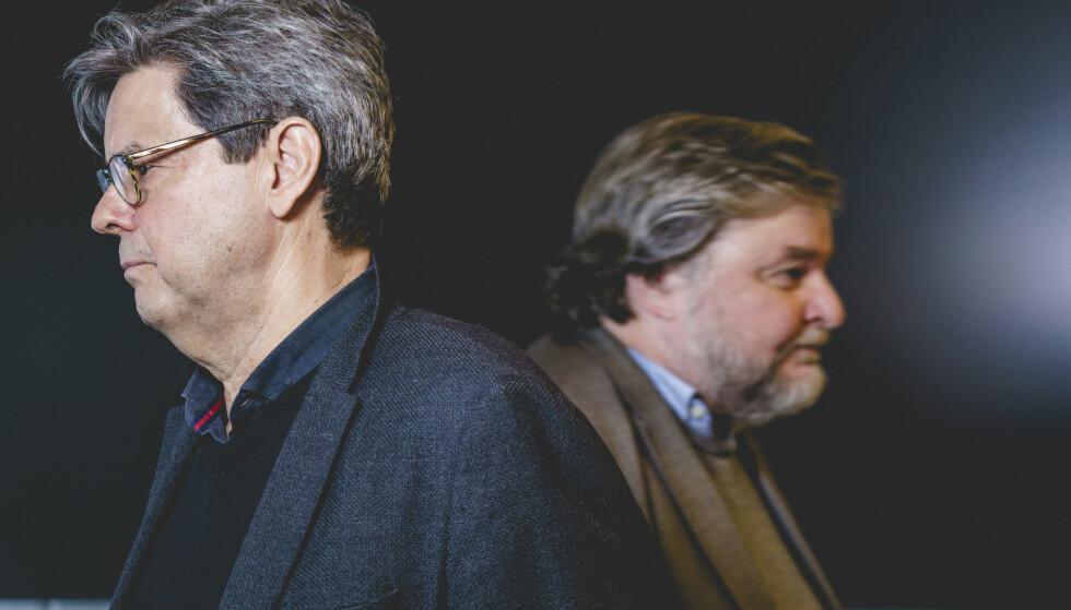 GJENNOMGANG: Sigurd Hortemo, overlege i Legemiddelverket, og Steinar Madsen, medisinsk fagdirektør i legemiddelverket, etter pressekonferanse om bivirkninger av AstraZeneca-vaksinen. Foto: Stian Lysberg Solum / NTB