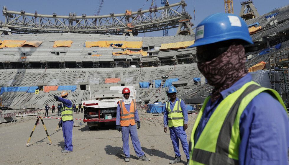 KONTROVERSIELT VM-SLUTTSPILL: Bakgrunnen er blant annet kritikken som er rettet mot fremmedarbeidernes arbeidsforhold i Qatar. Foto: Hassan Ammar/AP/NTB