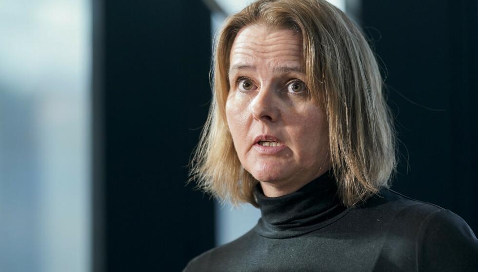 OVERLEGE: Trine Kåsine fra Rikshospitalet på mandagens pressekonferanse da dødsfallet ble kjent. Foto: Stian Lysberg Solum / NTB