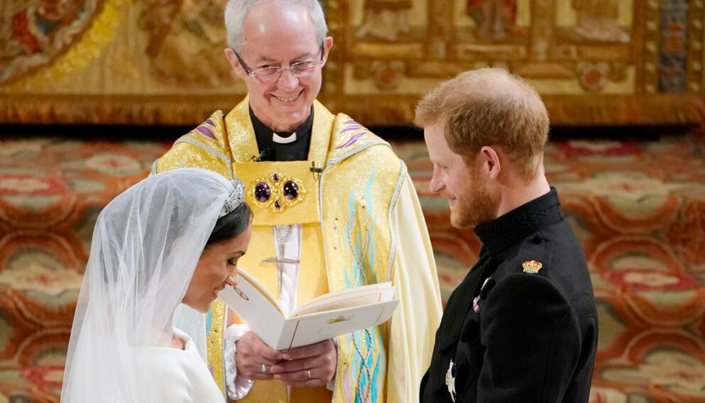 2018: Hertugparet av Sussex giftet seg i Windsor i 2018. Her med erkebiskopen av Canterbury, Justin Welby. Nå avviser sistnevnte hertuginne Meghans påstander om at paret giftet seg tre dager før bryllupet i Windsor. Foto: REX / NTB