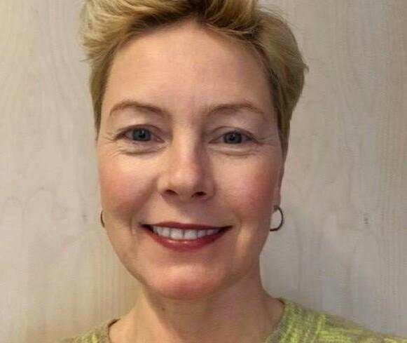 FRYKTER SEINVIRKNINGER: Psykologiprofessor Charlotte Reedtz frykter at barn og unge tar langvarig skade av de stadige nedstengingene. Foto: Privat