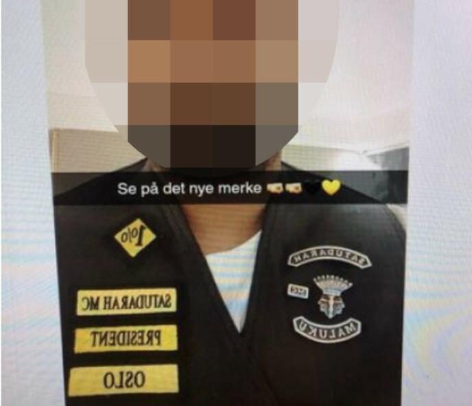 PRESIDENT: Den 36 år gamle mannen delte bilde av seg selv med den nye vesten på sosiale medier. Foto: Politiet.