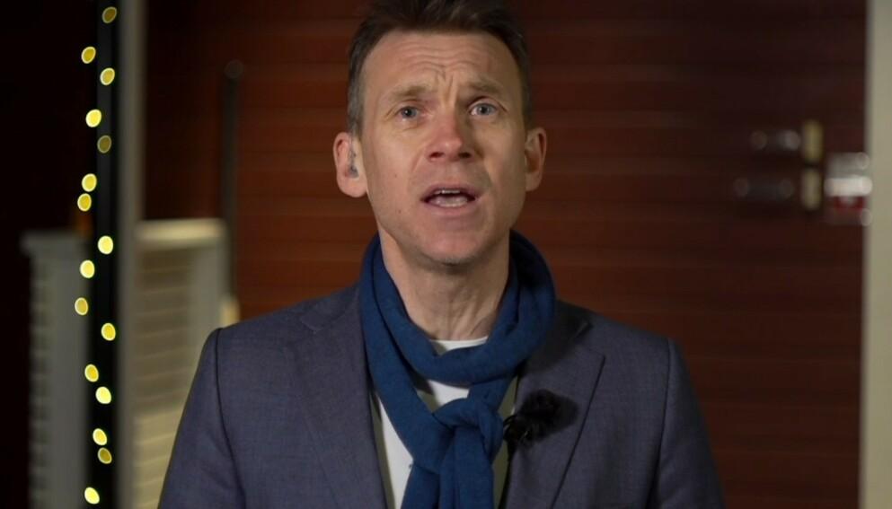 OPPRØRT: TV 2-kommentator Aslak Eriksrud ble personlig i kritikken av Ernas Solberg og familiens samling på Geilo. Foto: Skjermdump TV 2