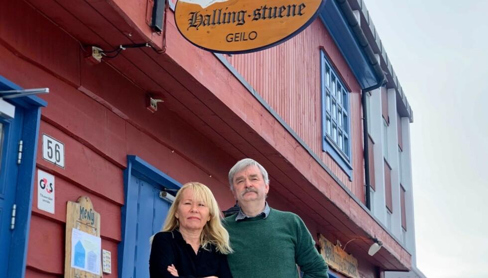 32 ÅR I HALLINGSTUENE: Ekteparet Berit Kongsvik og Frode Aga har lang erfaring og etter hvert eierskap til Hallingstuene. Foto: Jostein Sletten / Dagbladet.