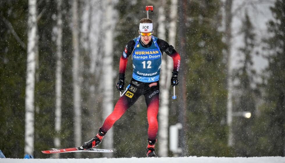 SLITEN: Sturla Holm Lægreid fikk det tøft i sporet på dagens sprint. Foto: AFP