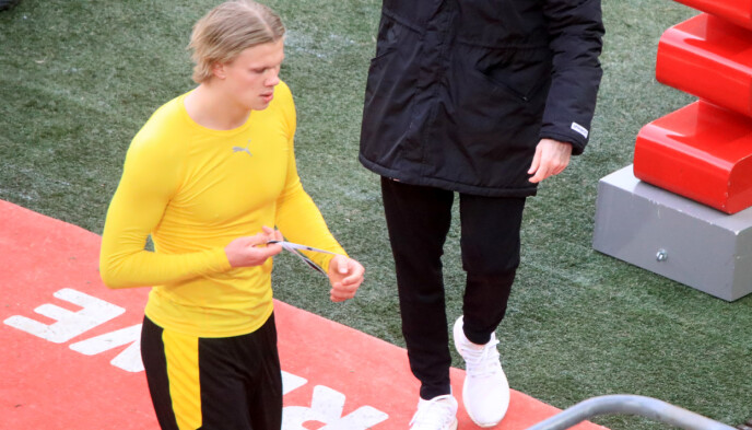 NEDTUR: Erling Braut Haaland var skuffet etter 2-2 mot Köln i går. Foto: NTB