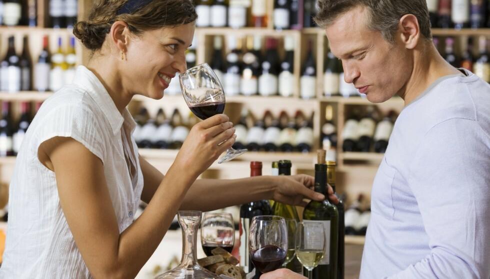 GLAD I VIN? Nå har en amerikansk vinprodusent lagt ut en jobb som tilbyr en høy månedslønn og 30 kasser vin til den rette kandidaten. Foto: Juice/REX