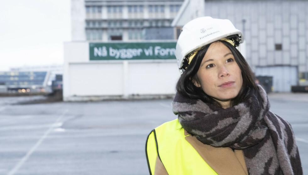 BOM-GLAD: Oslos samferdselsbyråd Lan Marie Berg (MDG) er glad i bomringer og -penger. Her fra anleggsstart av nye Fornebubanen. Foto: Terje Pedersen / NTB