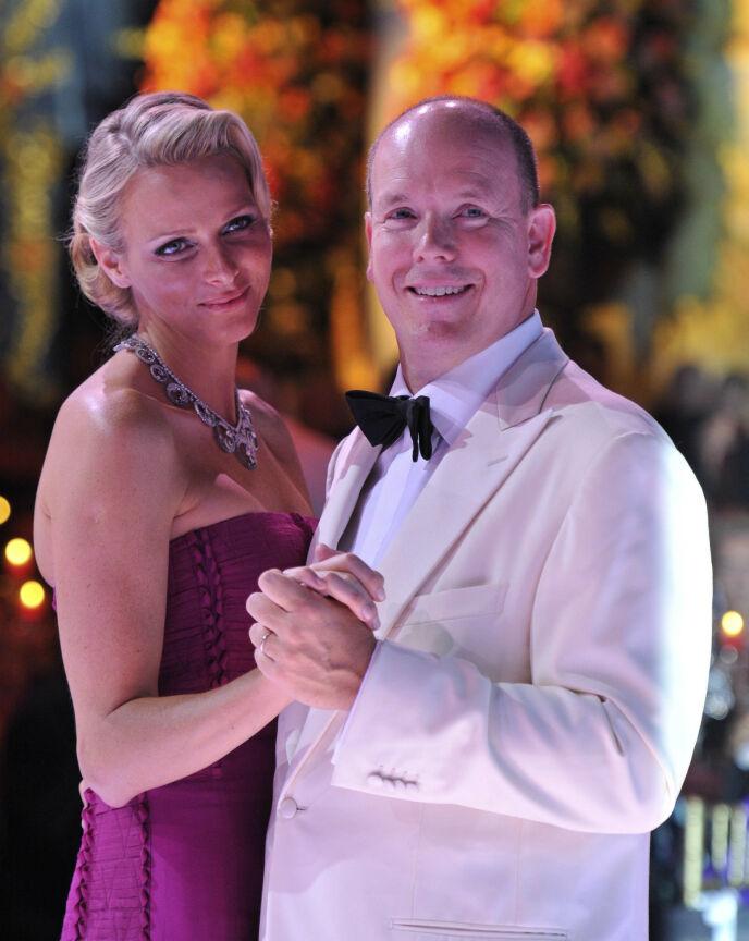 GLAMOUR: Se og Hørs kongehusekspert Caroline Vagle forteller at fyrstefamilien er nærmest definisjonen på glamour. Her avbildet i 2011. Foto: Willi Schneider / REX / NTB