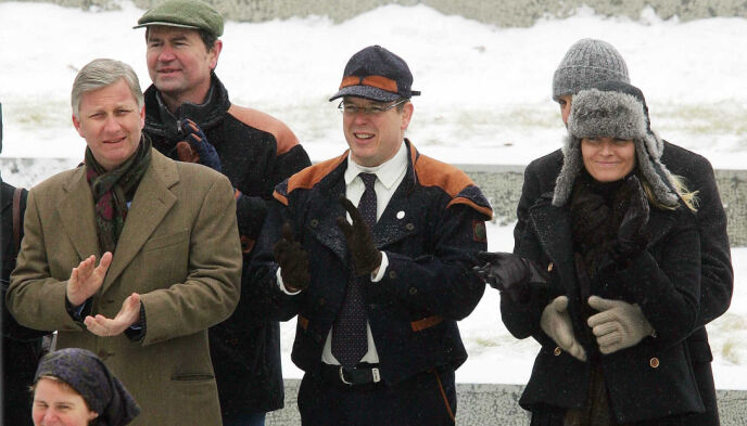 NORGESVENN: Fyrst Albert har gjennom åra blitt svært glad i Norge. Her avbildet under kong Haralds 70-årsdag i 2007, sammen med det norske kronprinsparet. Foto: Willi Schneider / REX / NTB