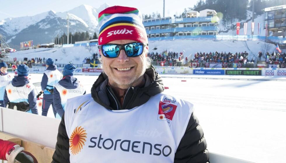 TV-PROFIL: Åge Skinstad under sprint lag i ski-VM i Seefeld. Foto: Terje Pedersen / NTB