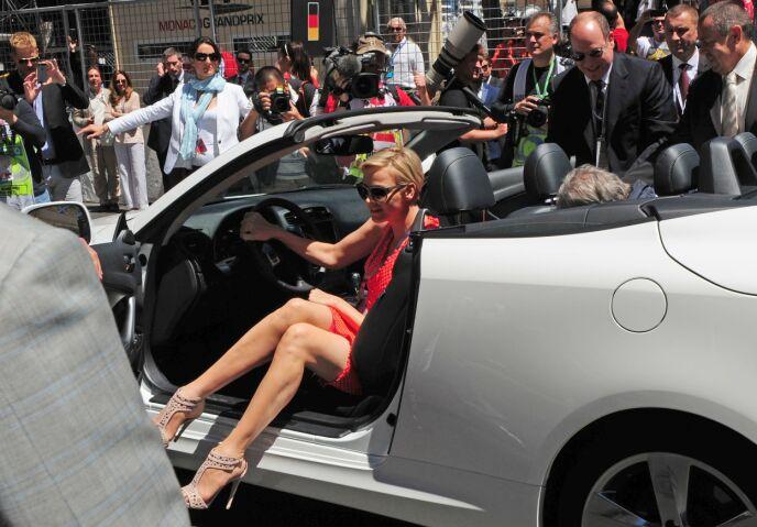 GRAND PRIX: Charlene og Albert i forbindelse med Monaco Formula One Grand Prix i 2013. Foto: AFP / Tom Gandlfi / NTB