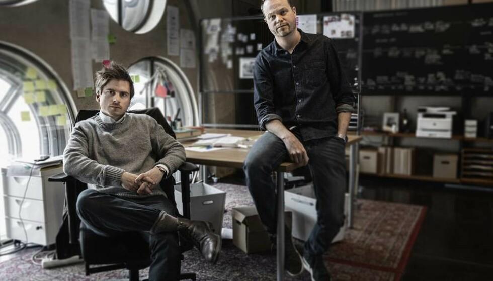 SKAPERNE: Martin Johnson (t.v.) og Anton Berg står bak dokumentaren om Knutby. Foto: HBO