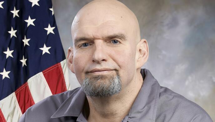 OFFISIELT PORTRETT: De fleste amerikanske politikere bruker dress på sine offisielle portretter. Ikke John Fetterman. Foto: Delstaten Pennsylvania