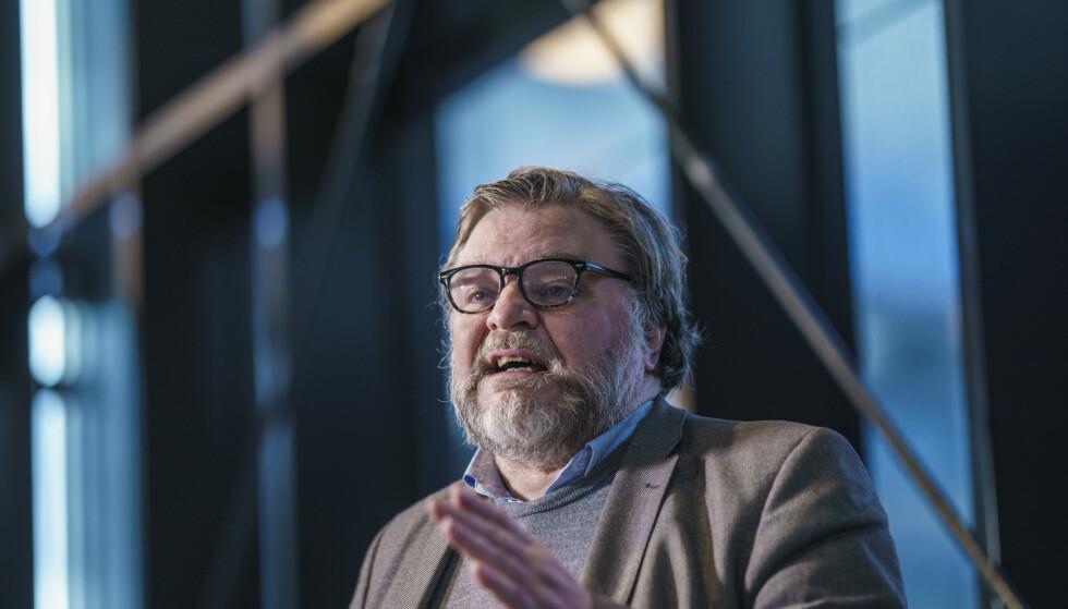 VILLE TATT DEN: Medisinsk fagdirektør Steinar Madsen i Legemiddelverket sier han fortsatt ville latt seg vaksinere med AstraZenecas coronavaksine. Foto: Stian Lysberg Solum / NTB