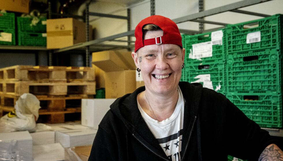 HAR FÅTT MANGE HENVENDELSER: Timmi Moen Guldbrandsen er glad for at mange vil hjelpe, men det er fortsatt mange som må gå hjem uten middag etter siste matutdeling før påske. Foto: Nina Hansen / DAGBLADET