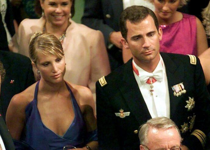 I BRYLLUP: Eva Sannum og daværende kronprins Felipe i bryllupet til det norske kronprinsparet i 2001. Foto: EPA/ NTB