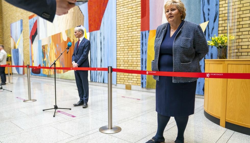 Avstanden mellom statsminister Erna Solberg (H) og Arbeiderpartileder Jonas Gahr Støre har blitt mindre, viser en fersk statsministermåling. Foto: Håkon Mosvold Larsen / NTB