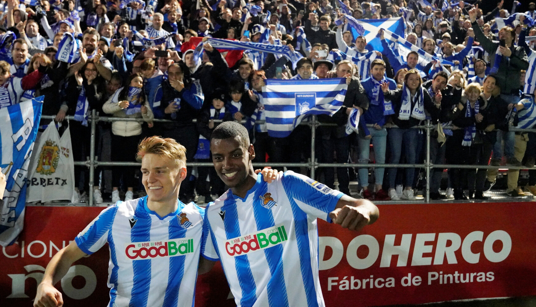 DEN GANG DA: Slik så det ut da Martin Ødegaard, Alexander Isak og resten av Real Sociedad hadde tatt seg til den spanske cupfinalen. Foto: REUTERS/Vincent West