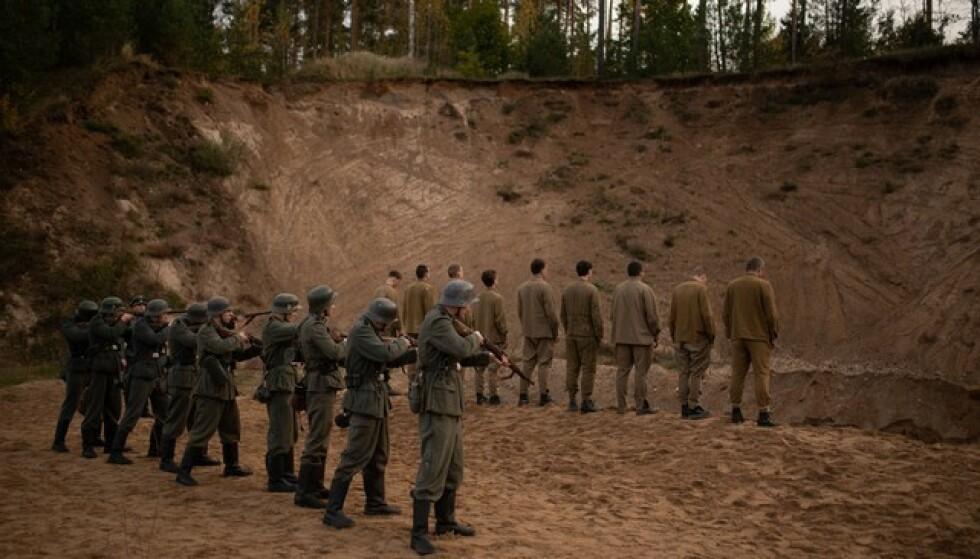 REAGERER: Flere av forskerne som medvirker i NRKs nye dokumentarserie «Frontkjempere» reagerer kraftig på framstillingen av frontkjemper-historien. Foto: Filmavdelingen AS / NRK