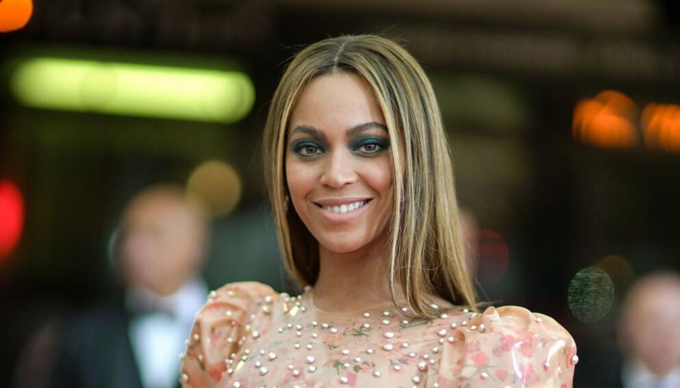 TREBARNSMOR: Beyoncé har tre barn med ektemannen Jay-Z, men viser de sjelden frem for offentligheten. Nå gjør hun imidlertid et unntak. Foto: Julian Mackler / BFA / REX / NTB