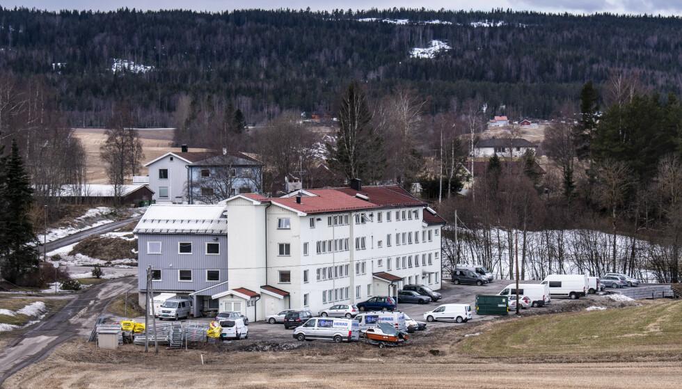 FORLATT SOM EN SPØKELSESHUS: Plutselig ble 46 beboere på Fagerli pensjonat på Holter i Nannestad sendt videre til karantenehotell. Foto: Lars Eivind Bones / Dagbladet.
