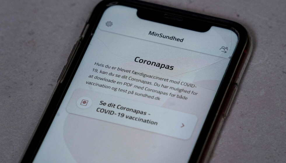 MIN SUNDHED: Danmarks midlertidige løsning på coronapass, som ikke ser ut til å være gyldig i resten av EU fra sommeren. Foto: Liselotte Sabroe, Ritzau/AFP/NTB.