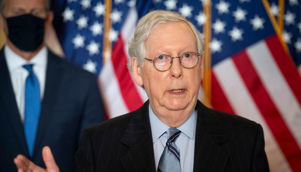MCCONNELL: Republikanernes leder i Senatet, Mitch McConnell, advarte selskaper etter at de kritiserte Georgias nye valglov. Nå går McConnell imidlertid tilbake på deler av det han sa. Foto: NTB
